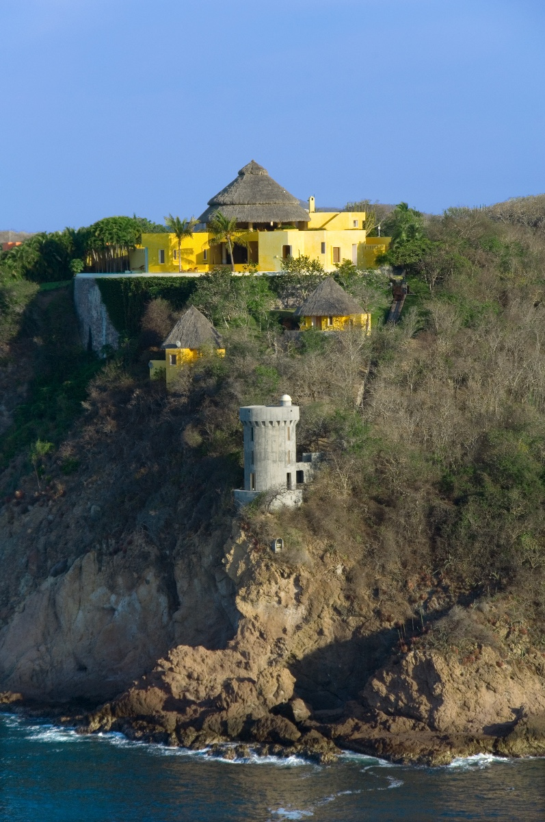 Sol de Oriente Castle