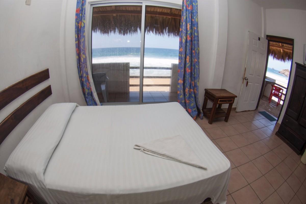 Habitacion con aire acondicionado y 2 camas matrimoniales -1
