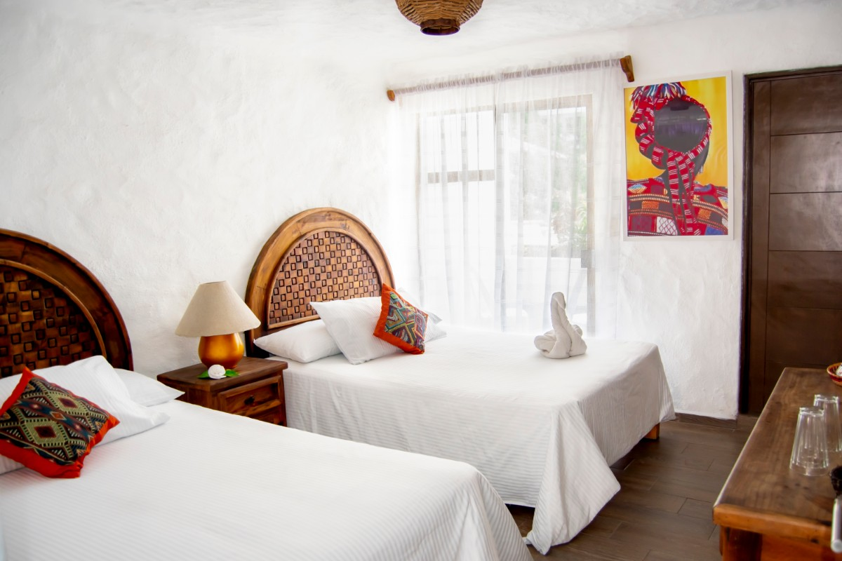 Habitación 2 camas dobles & Cocineta-2
