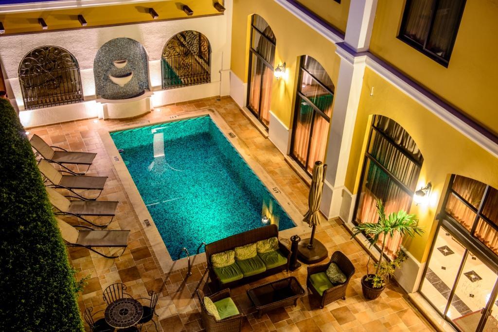 thum-Hotel-Plaza-Campeche-1
