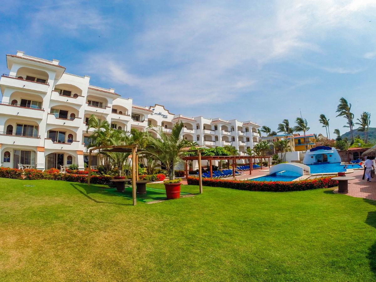 Hotel-Casa-Blanca-Guayabitos-1